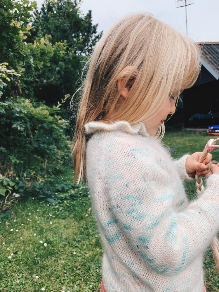 Mille Fryd Magnolia genser Junior oppskrift* SATURNIA GARN
